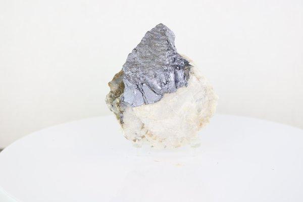 PME 6700 Molybdenite Image